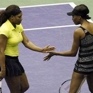 Serena-Williams-and-Venus-WiLLIAMS