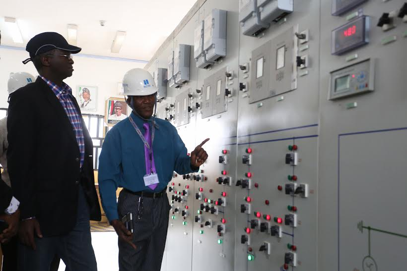 Photonews: Fashola On Tour Of Ministry's Projects In The North Central