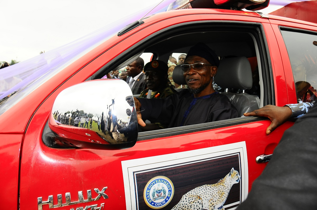 Ikirun Residents Commend Aregbesola For Equipping Police, Making State Crime Free