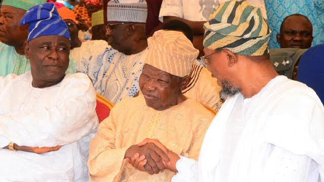 Governor State of Osun, Ogbeni Rauf Aregbesola,in a warmth handshake with the, Former Governor Lagos State, Alhaji Lateef Jakande, and Alhaji Yisa Yusuf during the 8th Day Fidau Prayer of Alhaji Chief Abdul Razack Oyekan keye at Alimoso Local Government, Lagos State, on 15/03/2016.