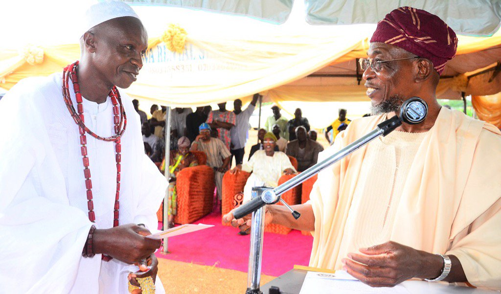 Aregbesola Compensates Osun Residents Affected By Road Projects