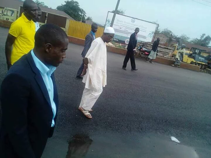 PHOTONEWS: Large Crowd Cheers Aregbesola On Unscheduled Inspection Visit To Ilesha