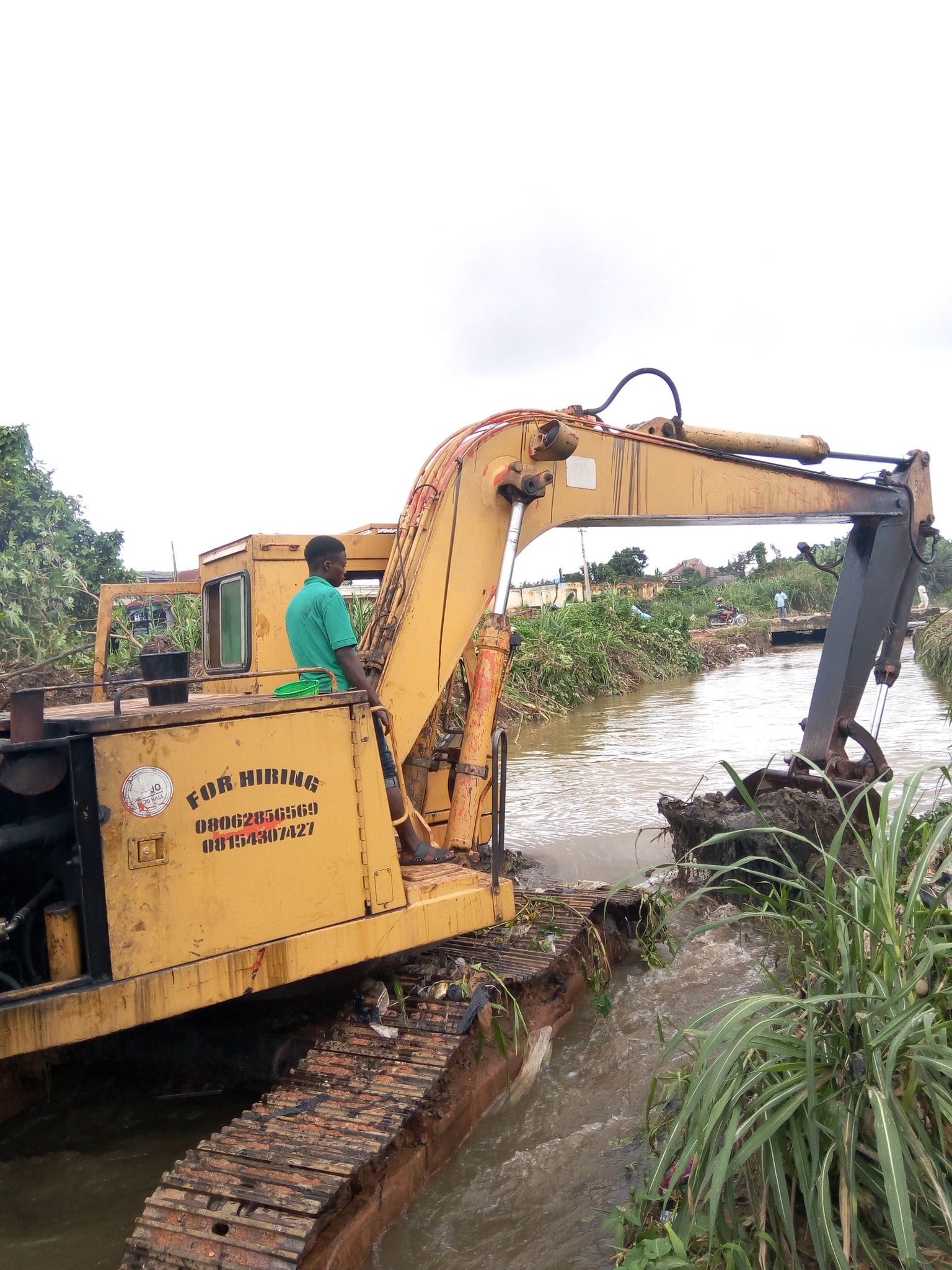 Osun Residents Laud Govt Efforts As Dredging Machines Moves To Flooded Areas