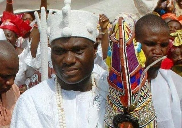 Ooni Ogunwusi Wears Aare Crown For The First Time (Photo)