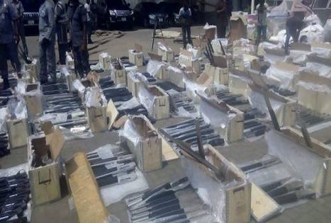BREAKING: Customs Intercept 661 Pump-action Rifles in Lagos