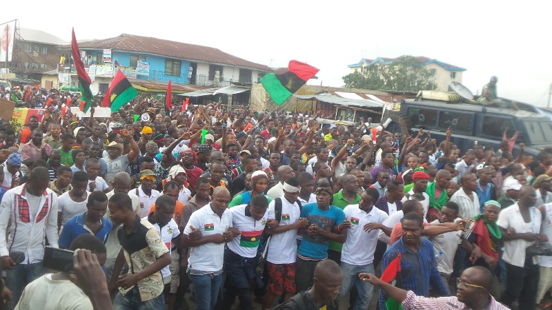 IPOB Members Remove Biafra Flags From Cars, to Wear Black Today