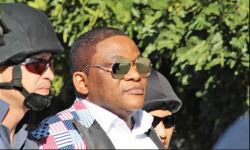 Pastor-Timothy-Omotoso-being-whisked-away-by-South-African-police