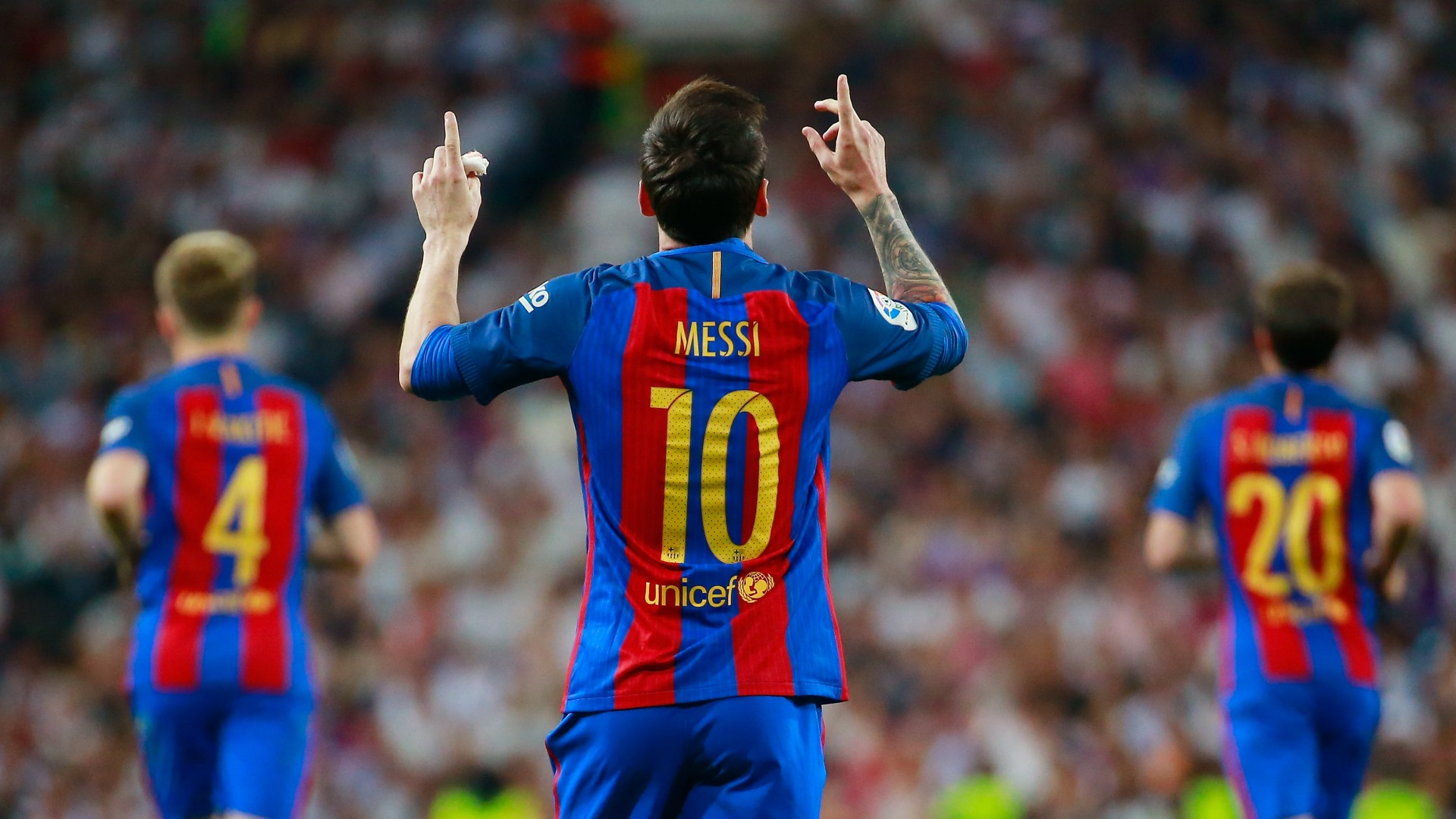 Barcelona blow away Madrid in El Clasico