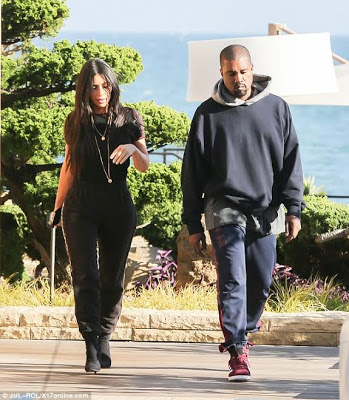 Kim Kardashian And Kanye West Spotted Out On A Lunch Date In Malibu (photos)