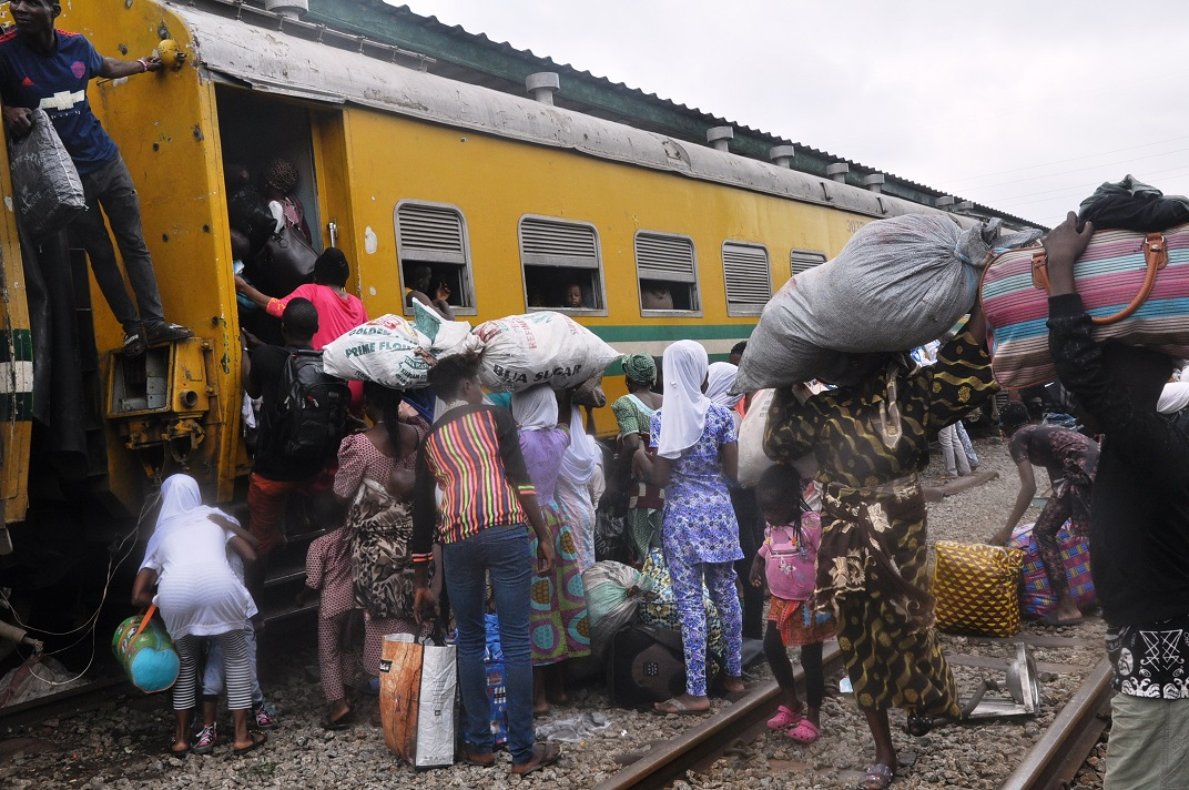 Eid: Holidaymakers Shower Encomium On Osun Govt For Free Train Ride