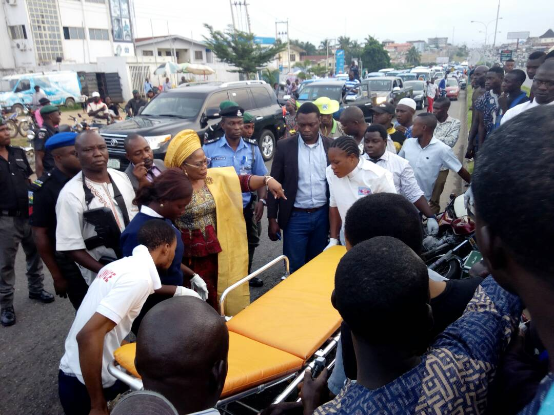 Osun Deputy Governor Stops Convoy To Rescue Accident Victims