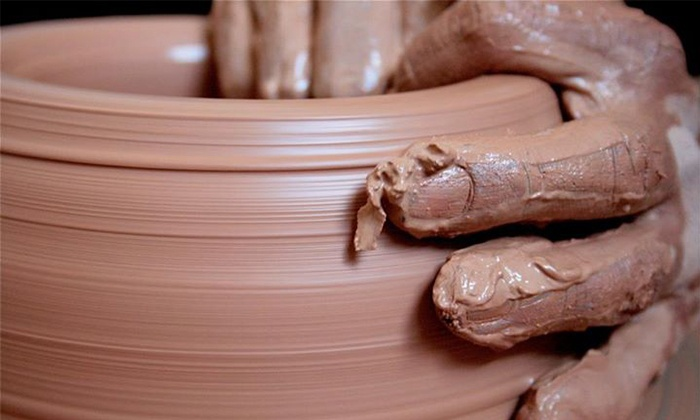 'Untold Story': Would China's 72-Year Old Potter Get A Successor?