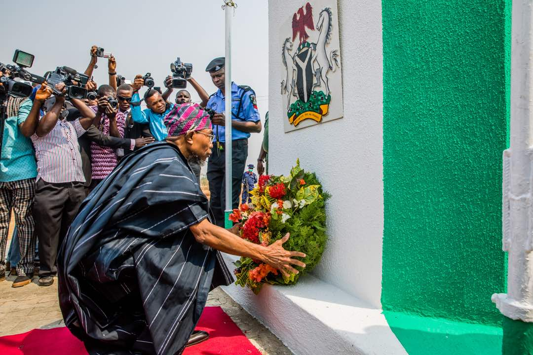 PHOTONEWS: Aregbesola Lays Wreath In Honour Of Fallen Soldiers
