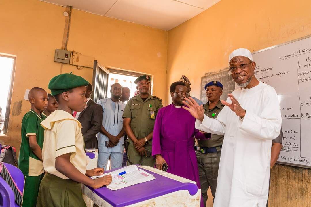 PHOTONEWS: Aregbesola Inspects Anglican Elementary School, Osogbo
