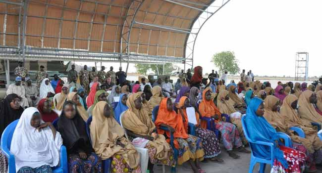 Freed Dapchi Schoolgirls Arrive In Presidential Villa