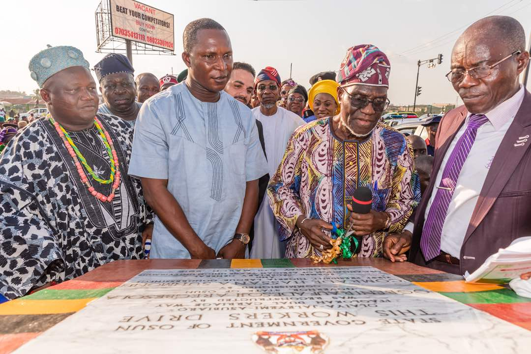 PHOTONEWS: Aregbesola Commissions Osun Workers Drive