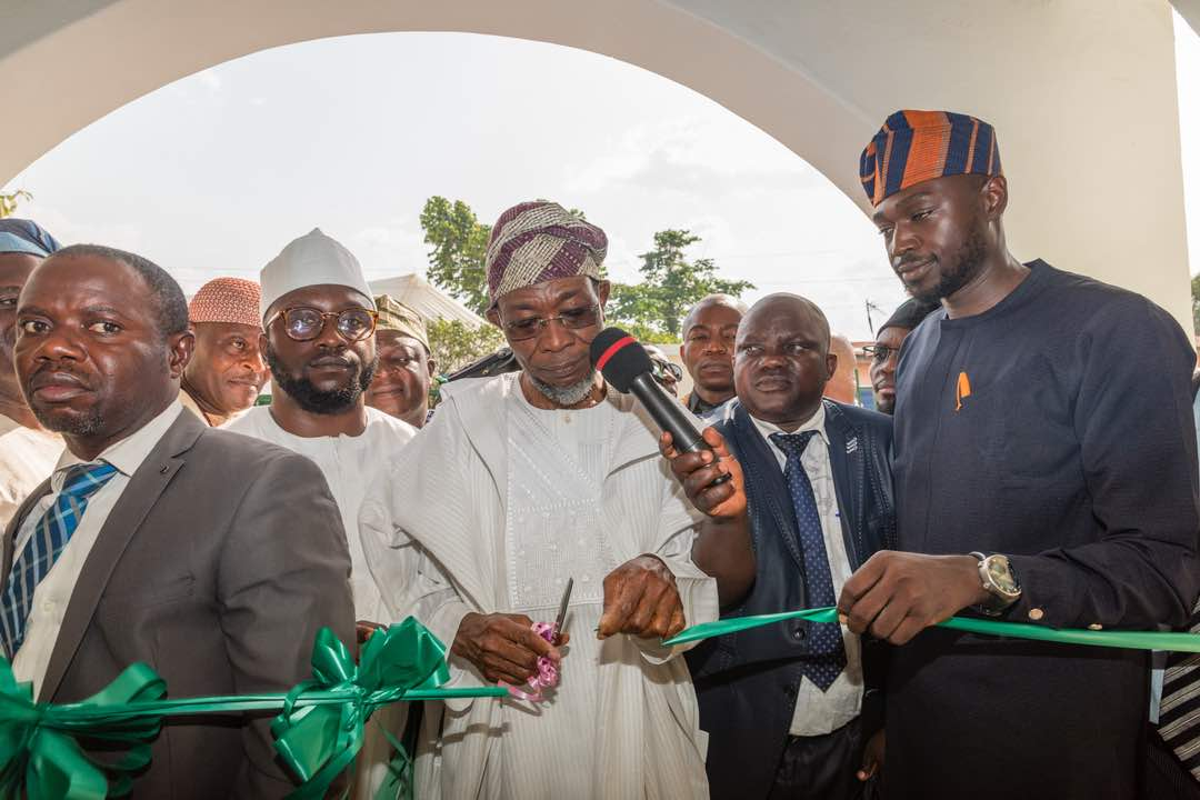 PHOTONEWS: Aregbesola Commissions SDG Built Primary Healthcare Centre In Ijebu-Ijesa