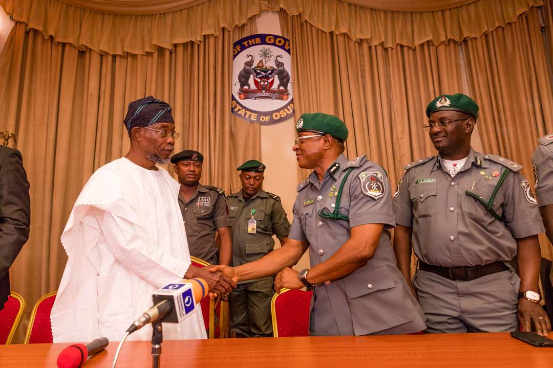 PHOTONEWS: New Oyo/Osun Customs Boss Visits Governor Aregbesola