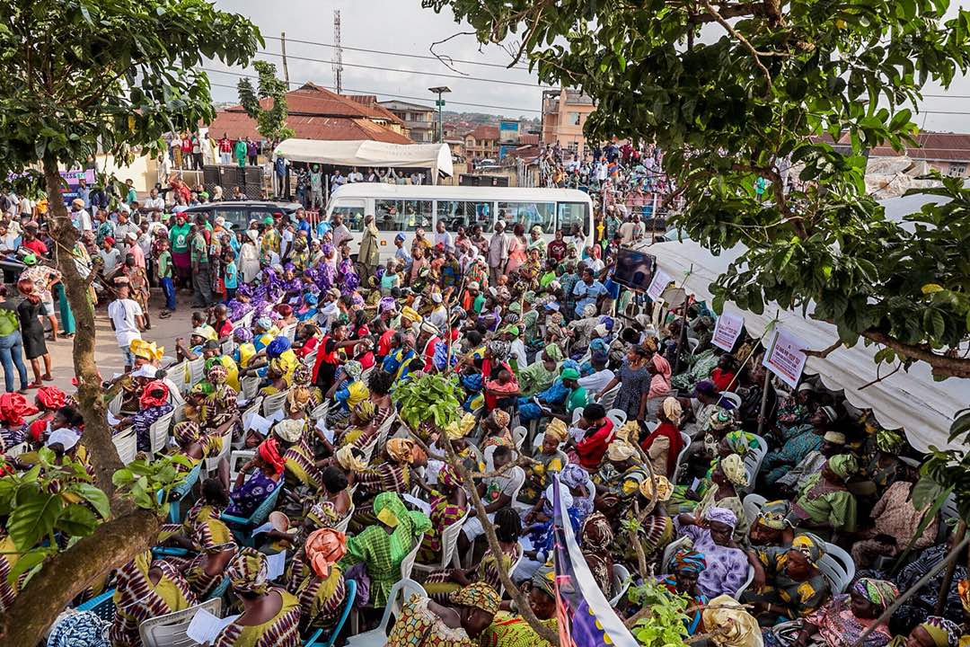 PHOTONEWS: Aregbesola Pays Goodwill Visit To Ijesa South Federal Constituency