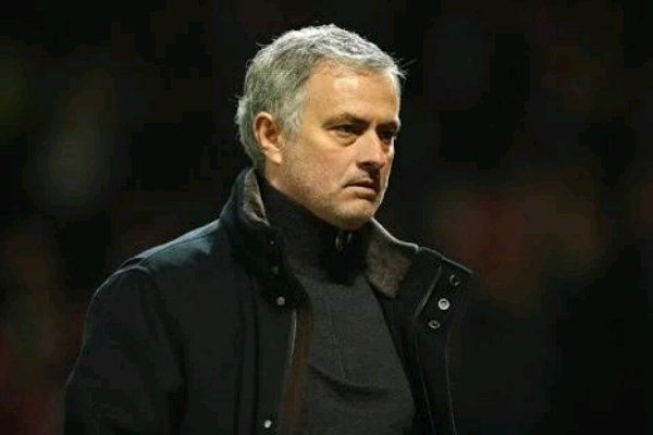 Mourinho Regrets Verbal Attacks On Wenger, Insists De Gea Won't Leave United