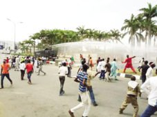 Police, Shiite Protesters Clash For Second Day