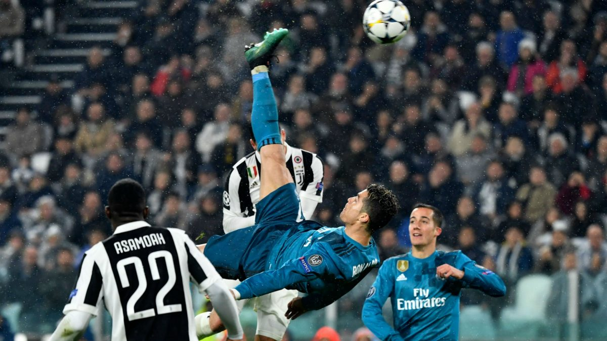 Record Breaking Cristiano Ronaldo Applauded  After 'Most Beautiful Goal'