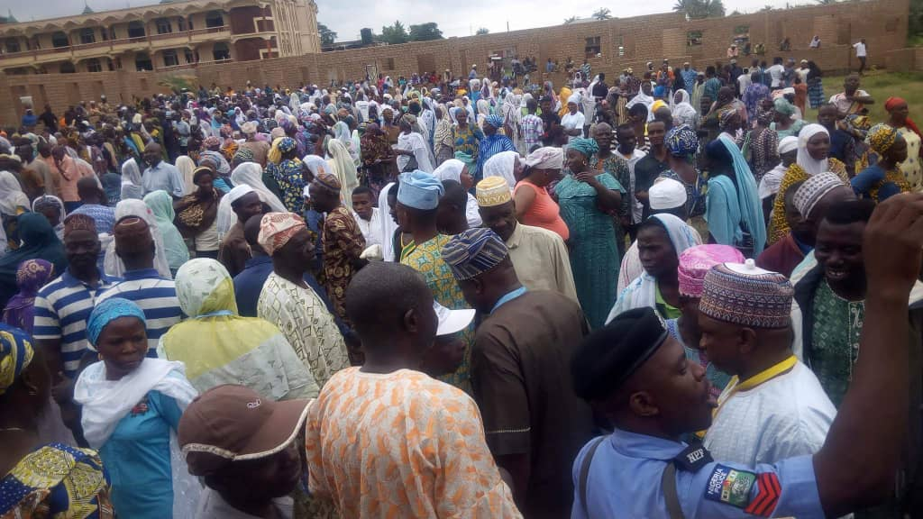 Massive Turnout As Oyetola Wins Osun APC Governorship Primary